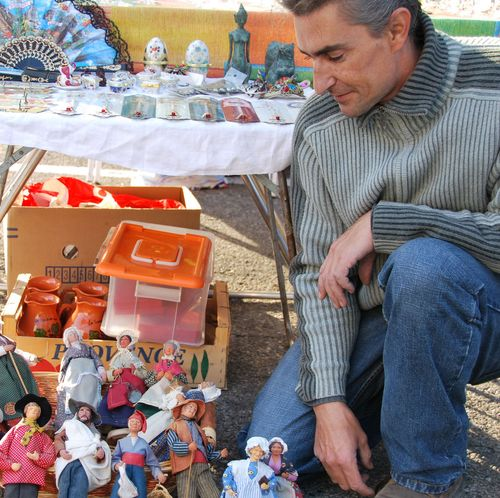 Santons, oudoor flea market, brocante, and grenier dans la rue in Suze la Rousse (c) Kristin Espinasse, french-word-a-day.com