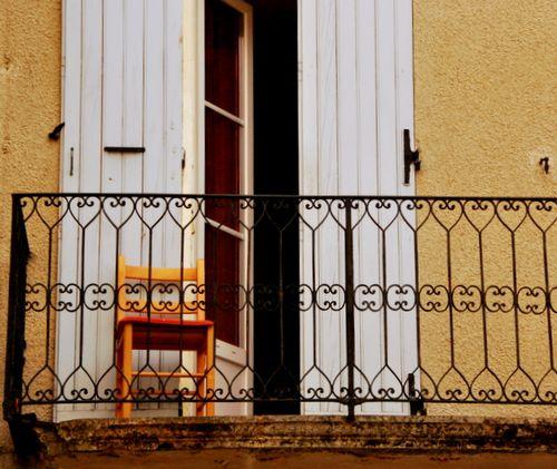 Balcony in Nyons (c) Kristin Espinasse