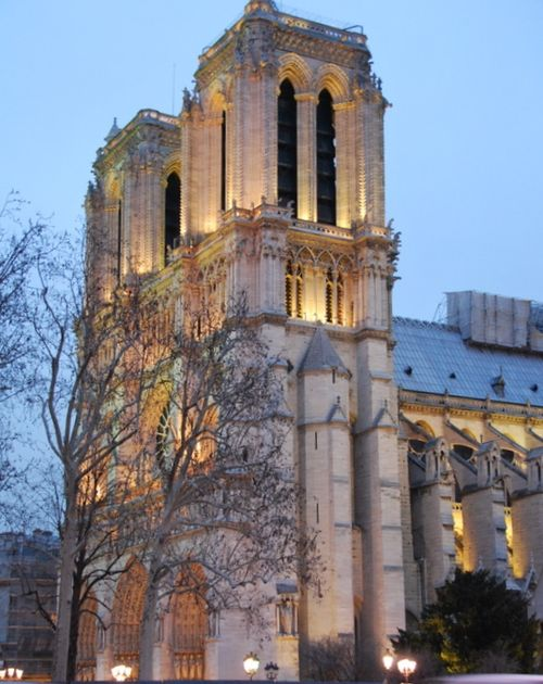 Notre Dame Cathedral in Paris (c) Kristin Espinasse, french-word-a-day.com