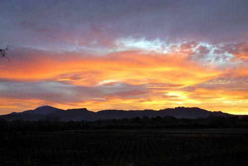 sunset, couche de soleil, mont, ventoux, vaucluse, france, ciel (c) Kristin Espinasse, www.french-word-a-day.com