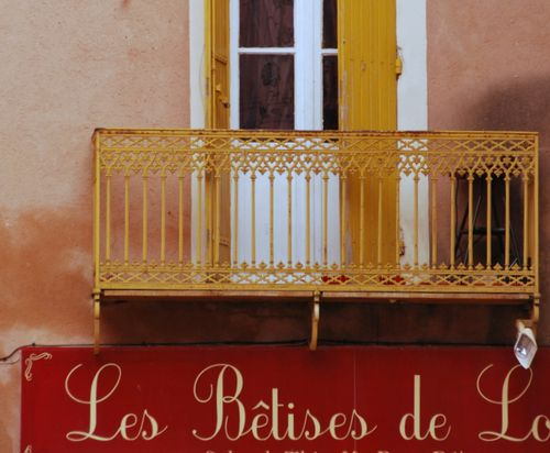 les betises sign signage typeography balcony French