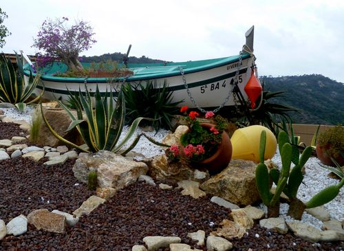 petit bateau pointu (c) Kristin Espinasse