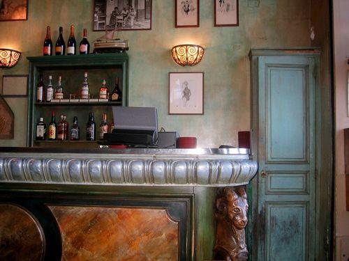 Le Bar de la Marine (c) Kristin Espinasse