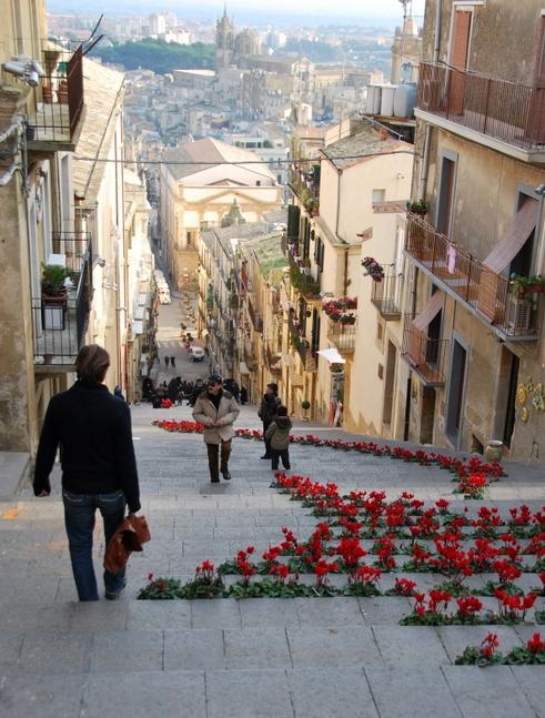 Flower steps in Sicily (c) Kristin Espinasse
