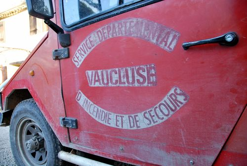UMM vehicle belonging to the Service Departementral d'incendie et de secours or fire rescue department (c) Kristin Espinasse