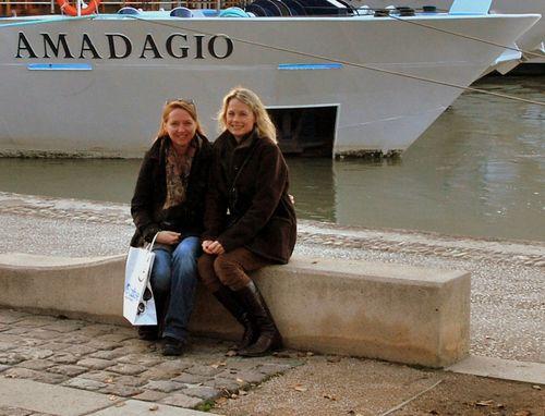 Best Friends (c) Kristin Espinasse