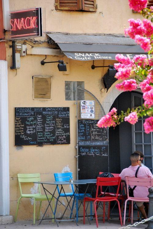 Snack shop in Cassis (c) Kristin Espinasse