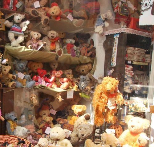 shop window in Colmar (c) Kristin Espinasse
