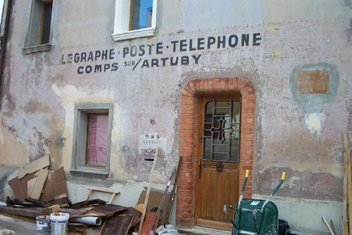 Telegraphe typography in Comps sur Artuby (c) Kristin Espinasse