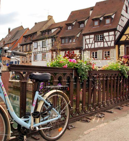Blue bicycle (c) Kristin Espinasse
