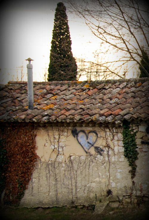 Street heart (c) Kristin Espinasse