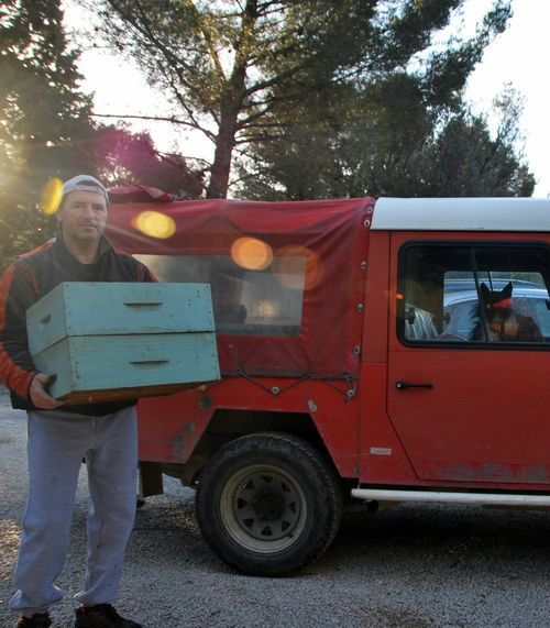 bee hive and four-wheel drive (c) Kristin Espinasse