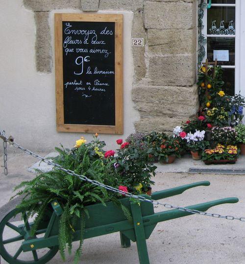 Flower shop in Camaret (c) Kristin Espinasse