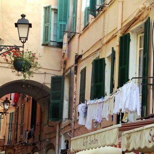 Italian laundry in St Remo (c) Kristin Espinasse