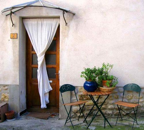 Door in Vinsobres (Var) (c) Kristin Espinasse