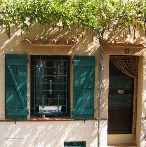 porch in Grimaud (c) Kristin Espinasse