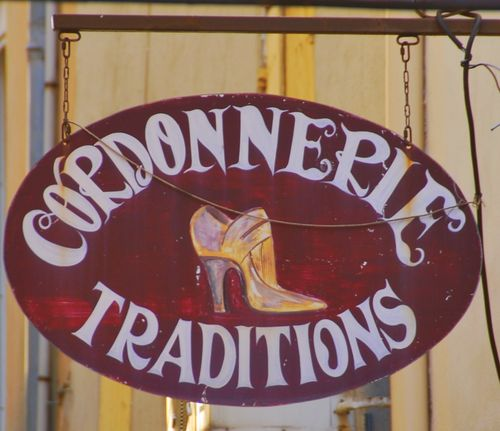 Cordonnerie (c) Kristin Espinasse, French-word-a-day