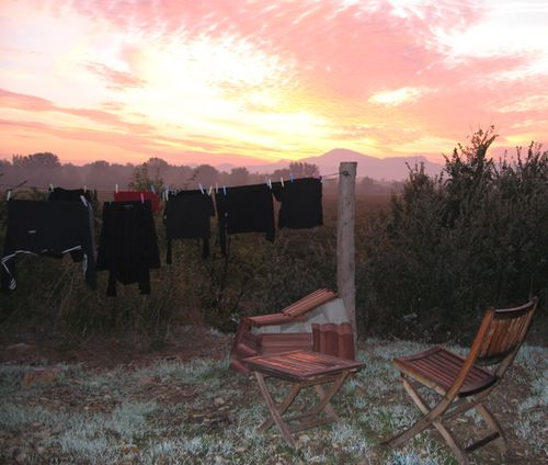 clothesline, sunset, mont ventoux, france (c) Kristin Espinasse, www.french-word-a-day.com