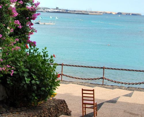 Chair looking out to sea (c) Kristin Espinasse