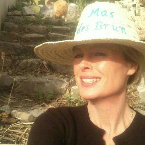 Mas-des-brun-hat