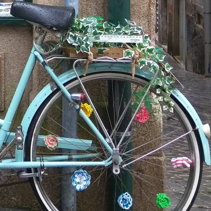 Blue bicycle handmade doily mercerie sewing shop