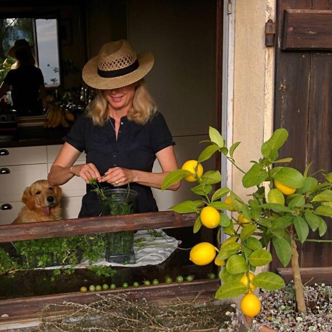 Kristi making-parsley-pesto