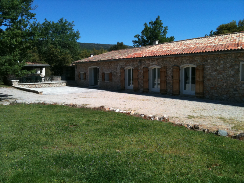 Gites location apartments for rent in the provencale countryside