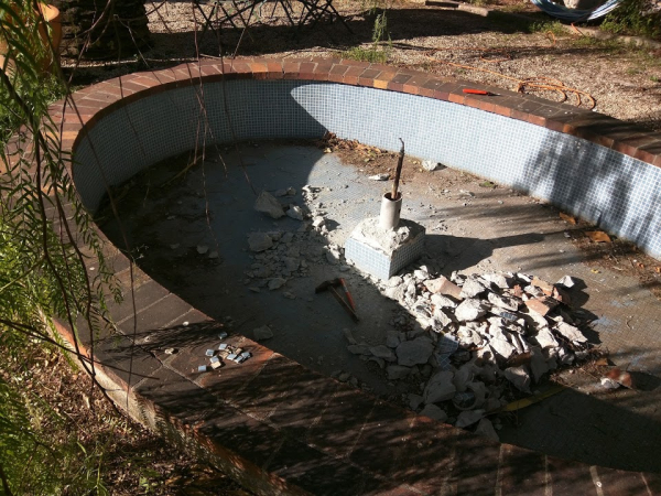 Fountain destruction