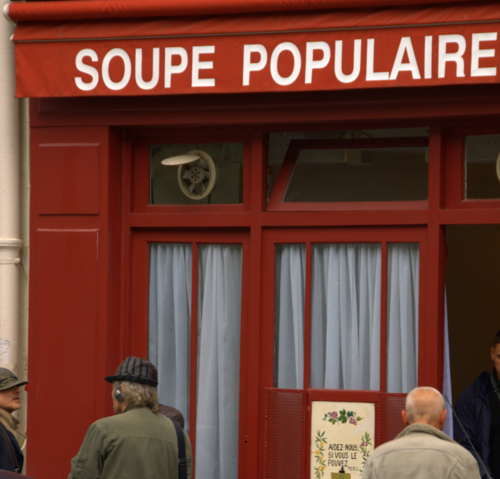 Soupe Populaire soup kitchen in Paris (c) Kristin Espinasse