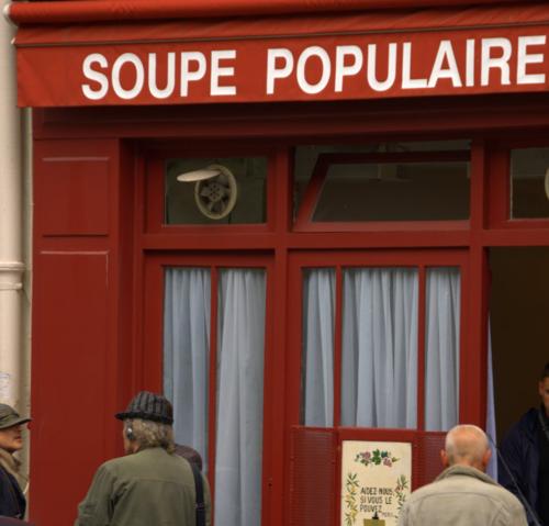 Soupe Populaire soup kitchen in Paris (c) Kristin Espinasse