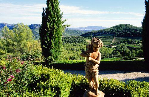 Chateau-de-pibarnon-statue
