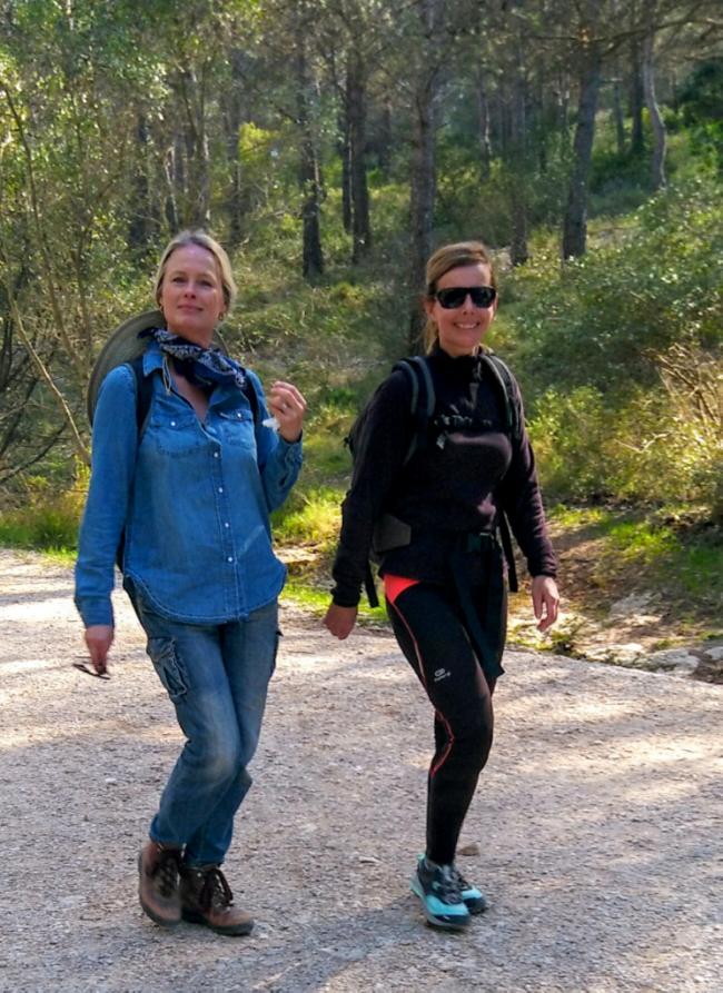 hiking the sentier path near Sugiton calanque les culs nus hikersMarseilles