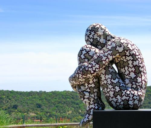 Puzzle statue in Ramatuelle (c) Kristin Espinasse