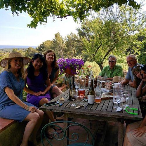 Gary-group-winetasting