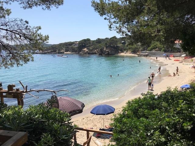 Beach at plage Pradeau in Giens