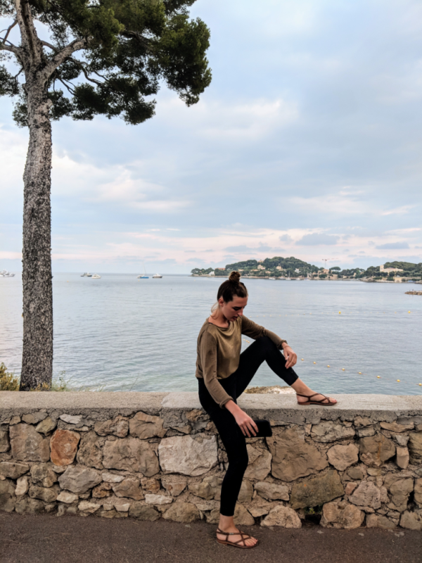 Jackie in between beaulieu-sur-mer and cap ferrat