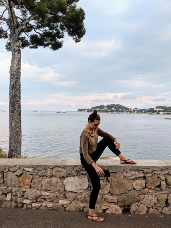 Jackie in between beaulieu-sur-mer and cap ferrat