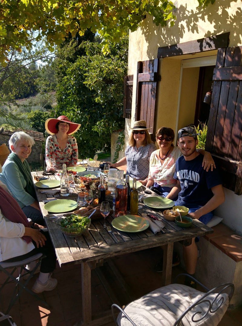 Tessa Max and artists paint in provence france