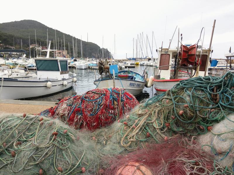 Port of la madrague boats pointu filet fishnet