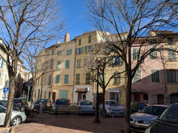 Square rue kleber