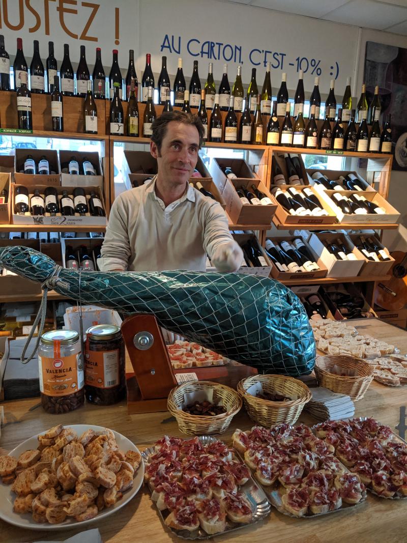 Olivier la cave a jambon la ciotat le vin sobre jean-marc espinasse