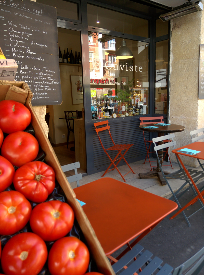 Tomato in paris cavist