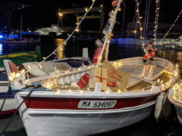 Christmas wooden  boat pointu
