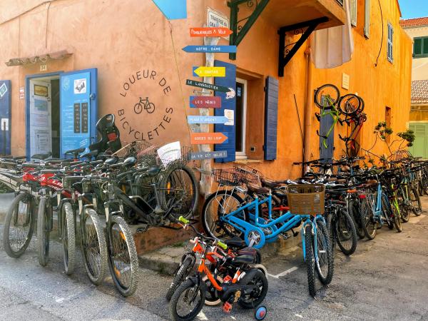 Bike rental on porquerolles island France
