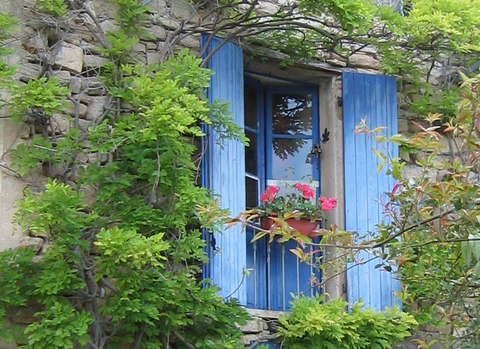 French window in Saignon, Provence (c) Kristin Espinasse