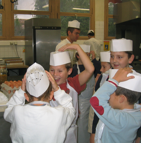 Little French Chefs in the Atelier (c) Kristin Espinasse