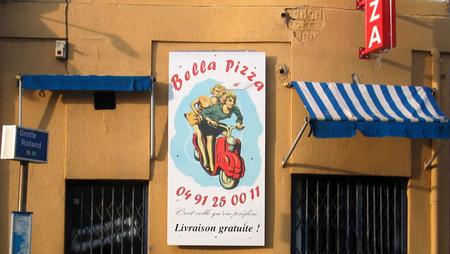 Bella Pizza (c) Kristin Espinasse