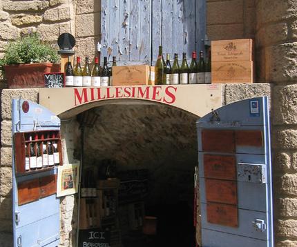 Les Millesimes wine shop in Chateauneuf-du-Pape (c) Kristin Espinassse