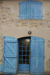 The Blue Door = La Porte Bleu (c) Kristin Espinasse
