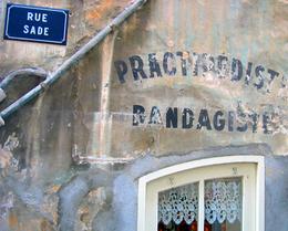 Bandagist in Antibes (c) Kristin Espinasse